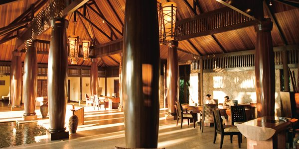 lemuria-seychelles-architecture-lobby-2